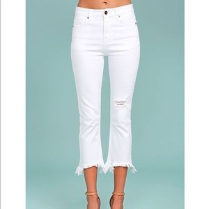 J.O.A. FETE WHITE DISTRESSED ANKLE SKINNY JEANS